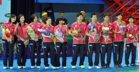 10 members of each team at awarding ceremony ~photo courtesy of Edwin Leung